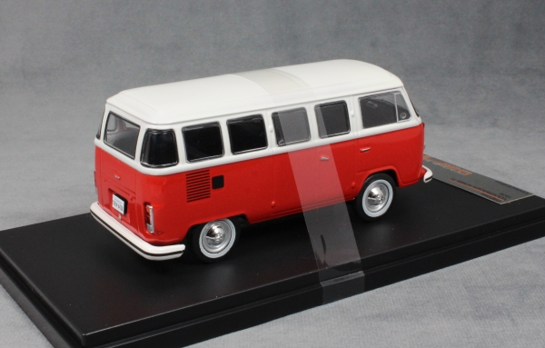 Volkswagen T2 Combi in Red 1976