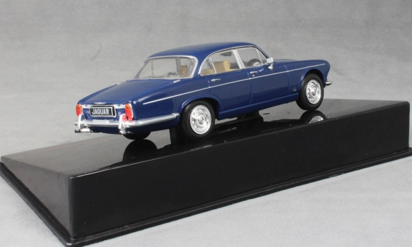 Jaguar Mki Rhd 1972 Blue IXO 1:43 CLC292 Miniature
