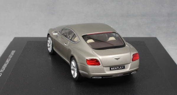 Bentley Continental GT in Pearl Silver