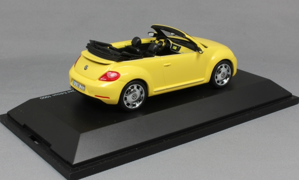 Volkswagen Beetle Cabriolet in Saturn Yellow