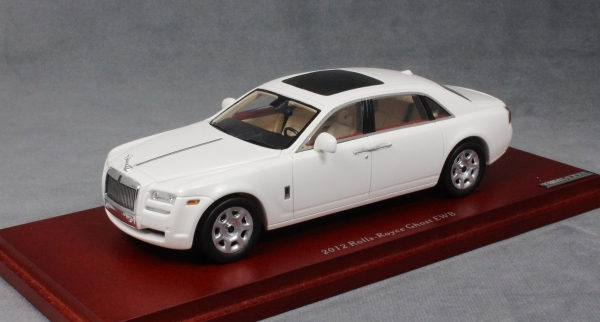 rolls royce ghost lwb in white 2012 truescale miniatures. Black Bedroom Furniture Sets. Home Design Ideas