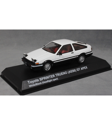 Toyota Corolla Sprinter Trueno AE86 in White (raised headlights)