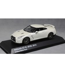 Nissan GT-R R35 in Brilliant White Pearl 2014