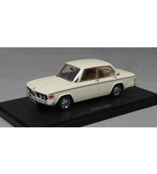 BMW 2004 Saloon in Ivory 1973