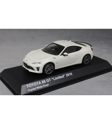 Toyota GT86 in White Metallic 2016