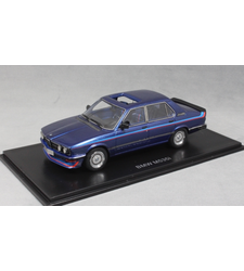 BMW M535i E12 in Dark Blue Metallic 1978