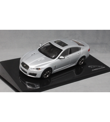 Jaguar XFR in Rhodium Silver