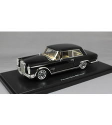 Mercedes-Benz 600 Coupe W100 in Black