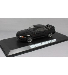 Fast and Furious Nissan Skyline GT-R R32 in Black 1989