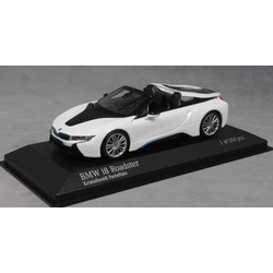 BMW i8 Roadster in White Pearlescent 2018