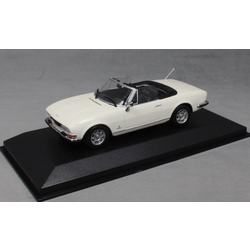 Peugeot 504 Cabriolet in White 1977